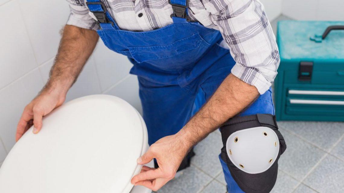 Comment déboucher un Sanibroyeur avec de l'eau stagnante ?